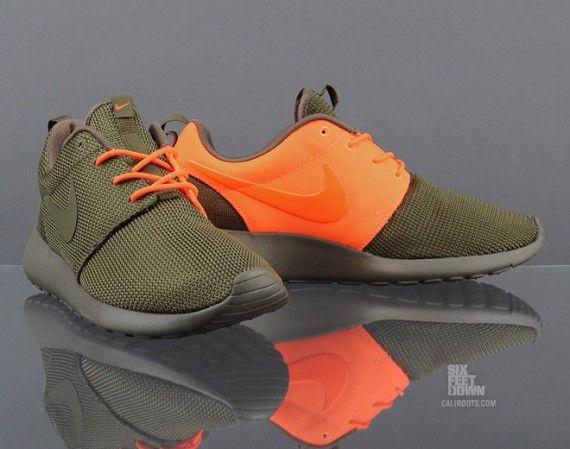 nike roshe run split squadron green total orange
