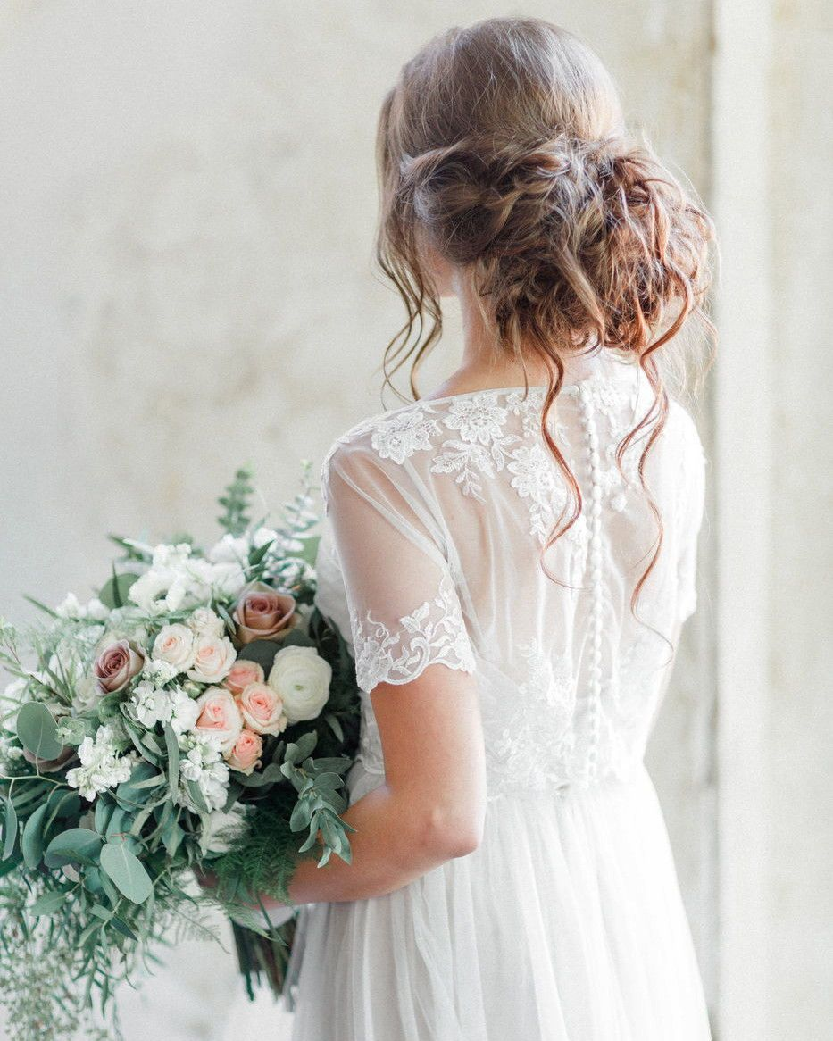 Although Buttons Look Right At Home Down The Back Of A Traditional Wedding Dress You Re Short Sleeve Wedding Dress Short Wedding Dress Pretty Wedding Dresses [ 1166 x 933 Pixel ]