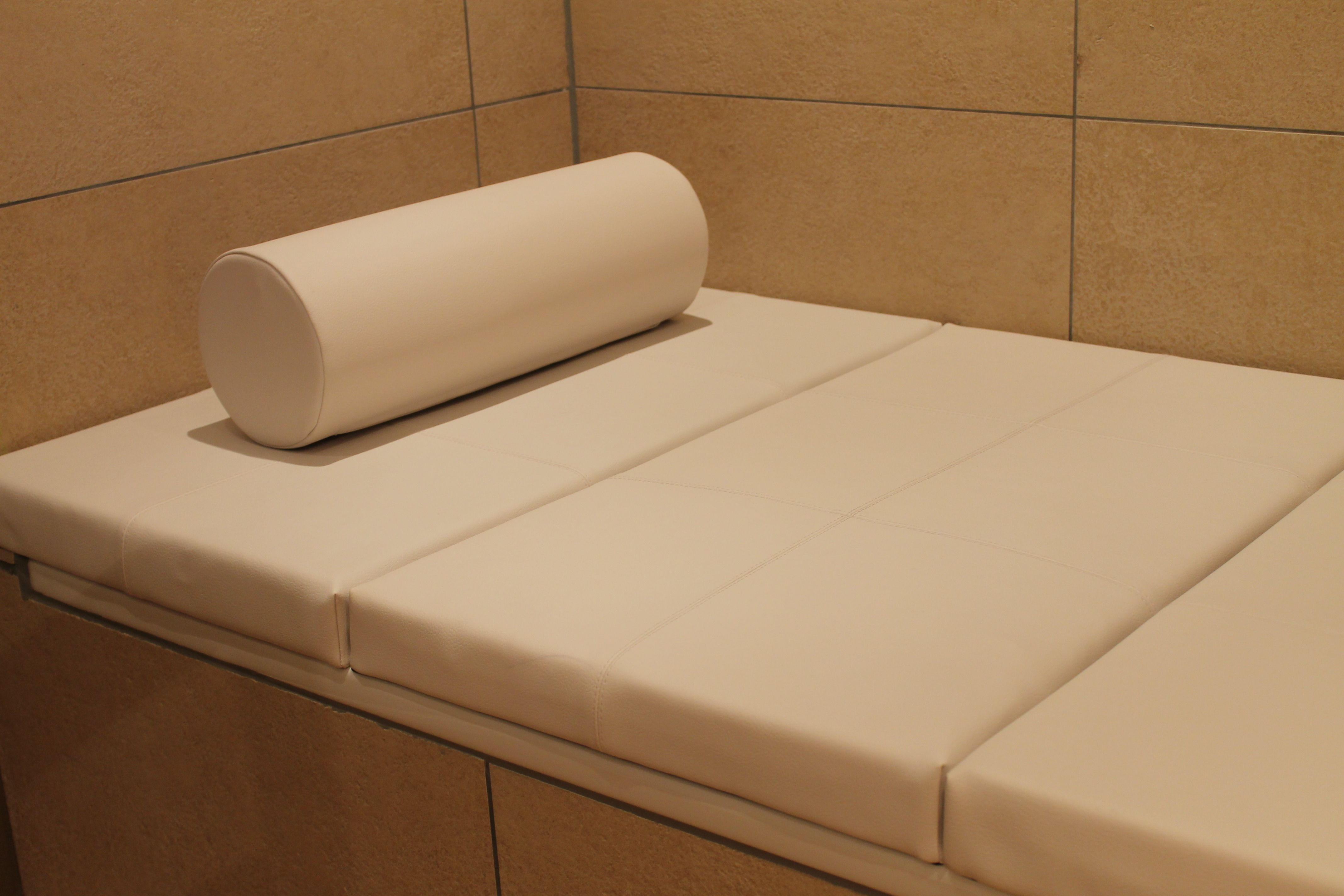 badewannen abdeckung abdeckung f r badewanne pinterest bathtub cover washroom and bathtubs. Black Bedroom Furniture Sets. Home Design Ideas