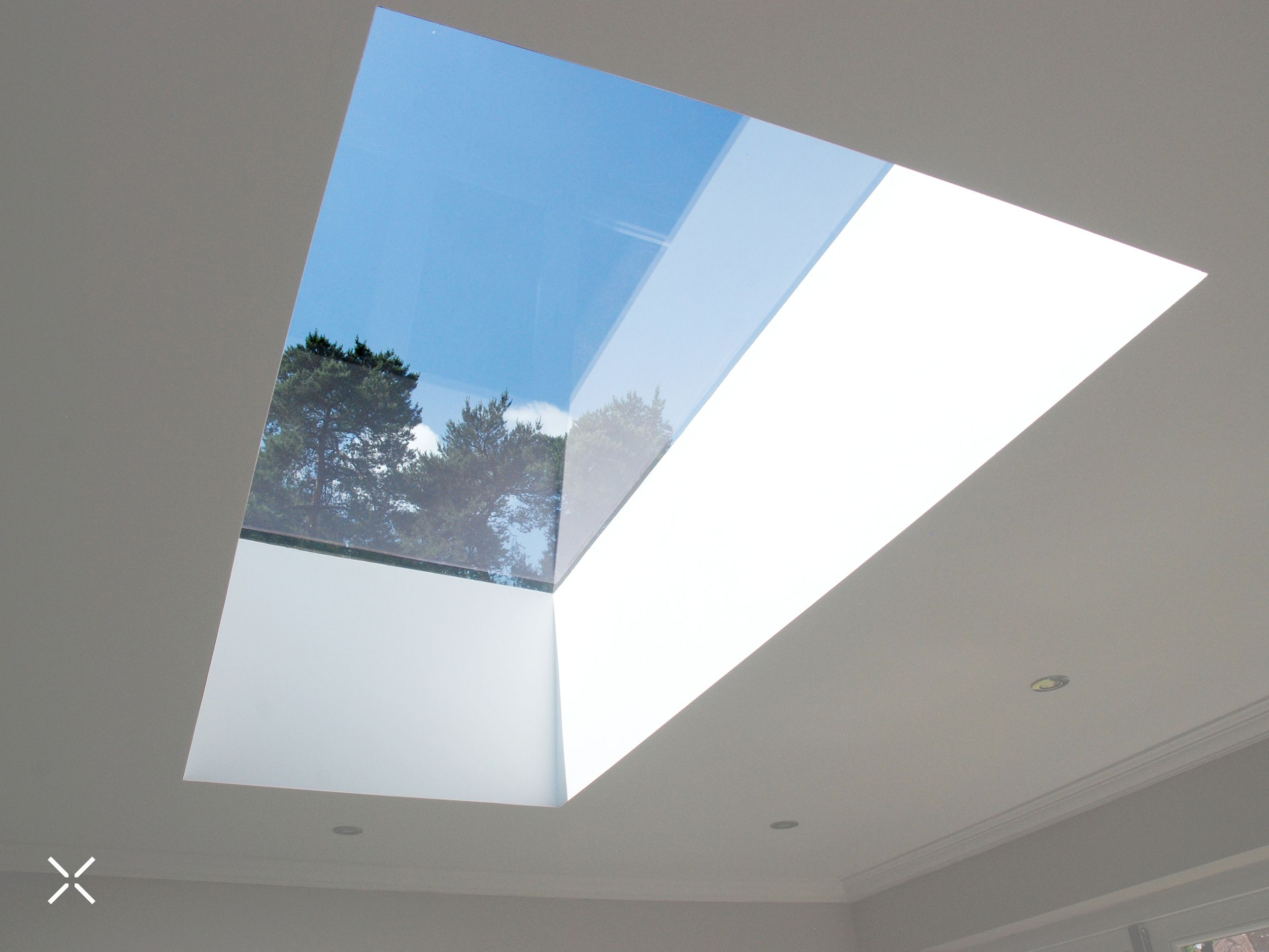 Achieving A Frameless View With Flat Roof Lights In 2020 Flat