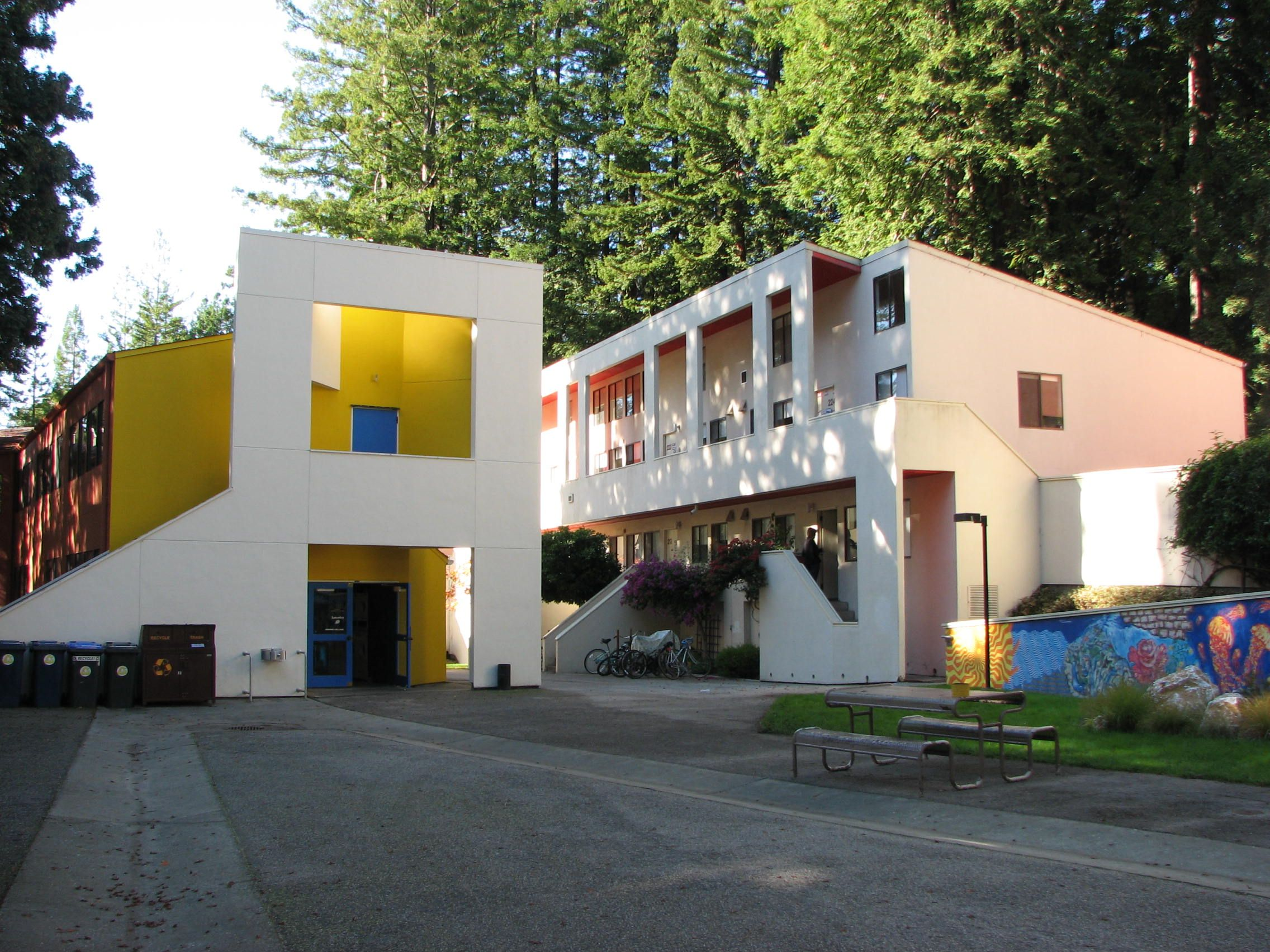 Kresges Architecture Was Designed To Look Like A Residential Area - Google maps kresgie college us santa cruz