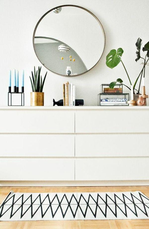 runder spiegel grüne pflanzen weiße kommode im flur For the Home - schlafzimmer kommode mit spiegel