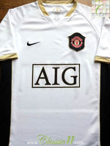 305668fbf87 Relive Manchester United s 2006 2007 season with this vintage Nike away  football shirt.