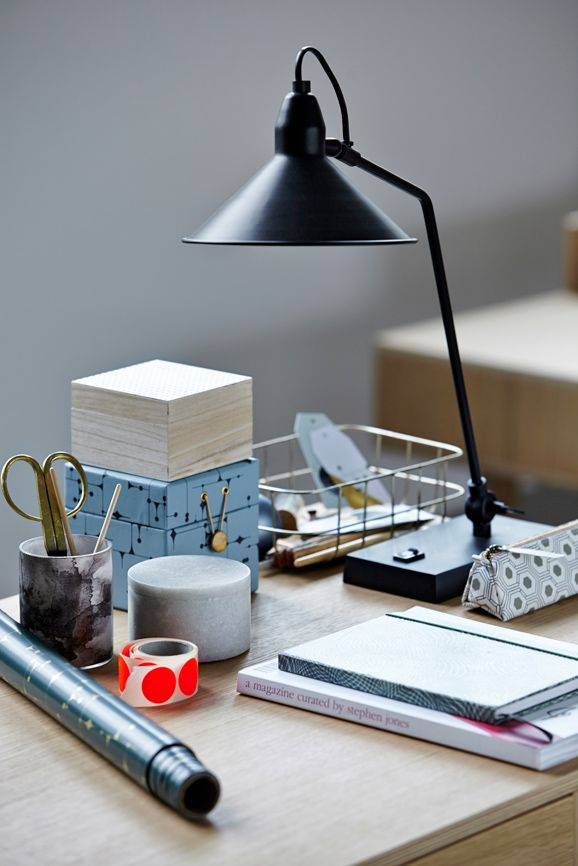 pin von seliger auf papeterie stationeries pinterest arbeitsplatz beleuchtung und lampen. Black Bedroom Furniture Sets. Home Design Ideas