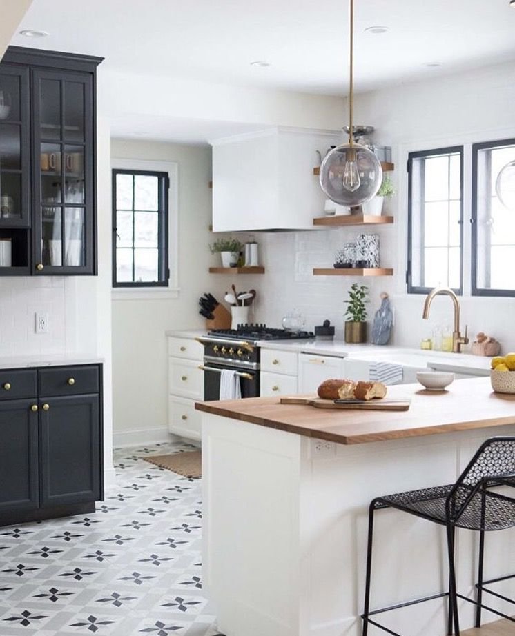 Pittura cucina classica pittura pareti cucina classica for Pittura lavabile prezzi leroy merlin