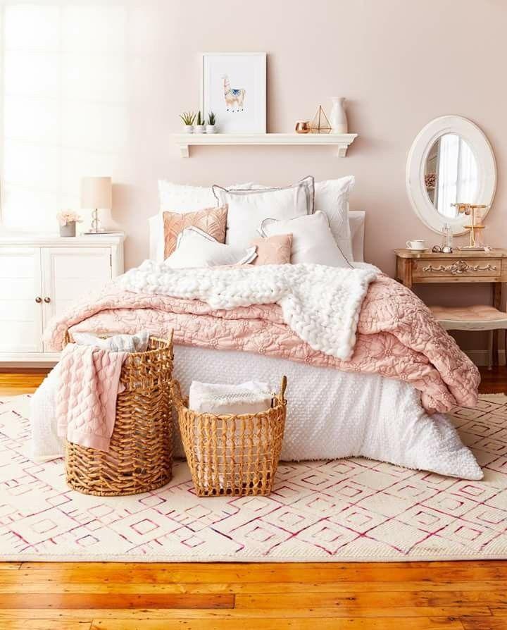 Pin By Laura Hennig On Girls Room S Room Inspiration Bedroom Redecorate Bedroom Dorm Room Decor