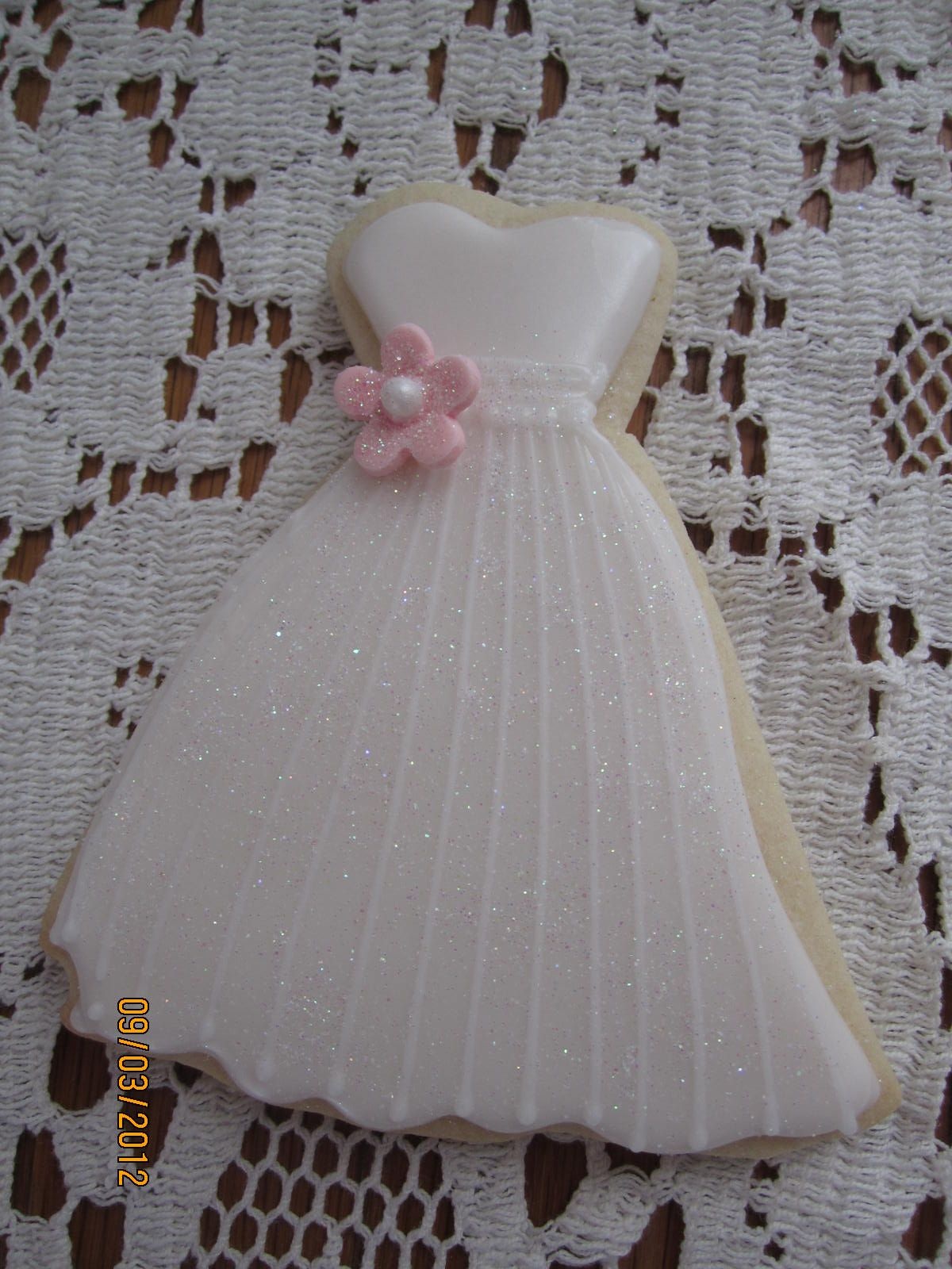 wedding gown with gumpaste flower cookie | cookie designs ...