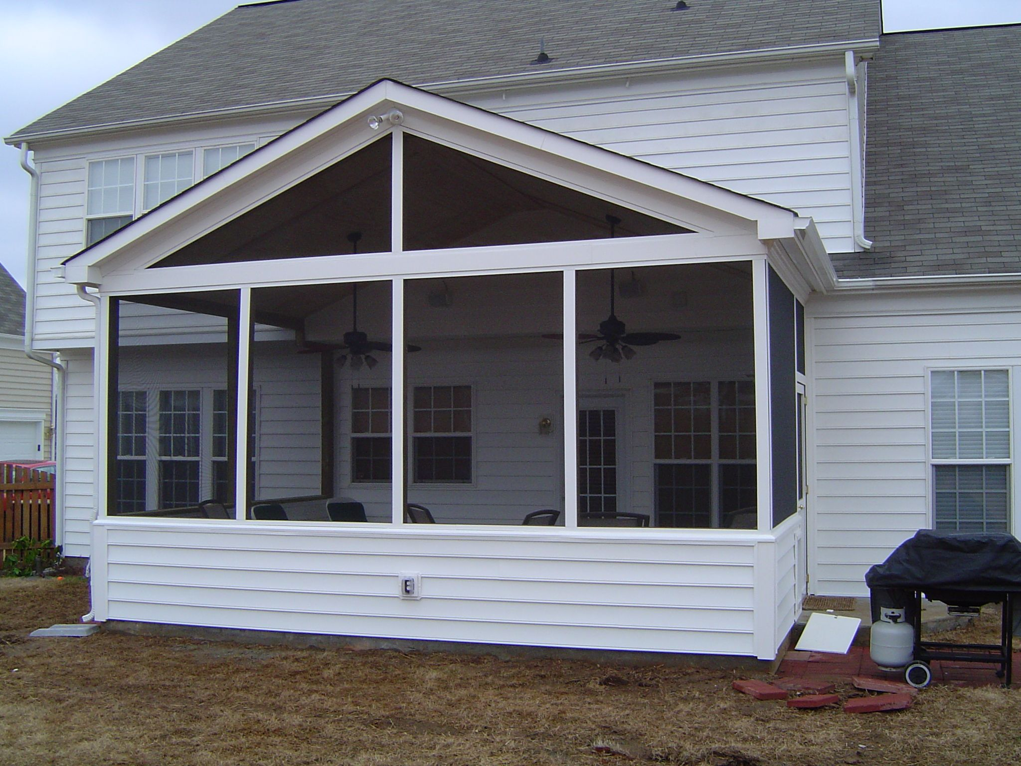 Screen porch with vinyl siding screened porches for Porch and patio designs