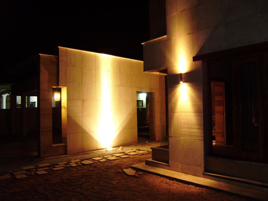 Pakistani house with exterior lighting i like the for Exterior garage lights