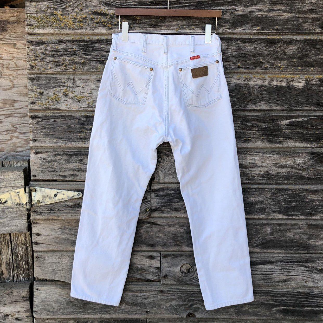 42d1144702 Vintage white denim Wrangler jeans 28x28 straight leg high waisted 80s 90s  high waist 28