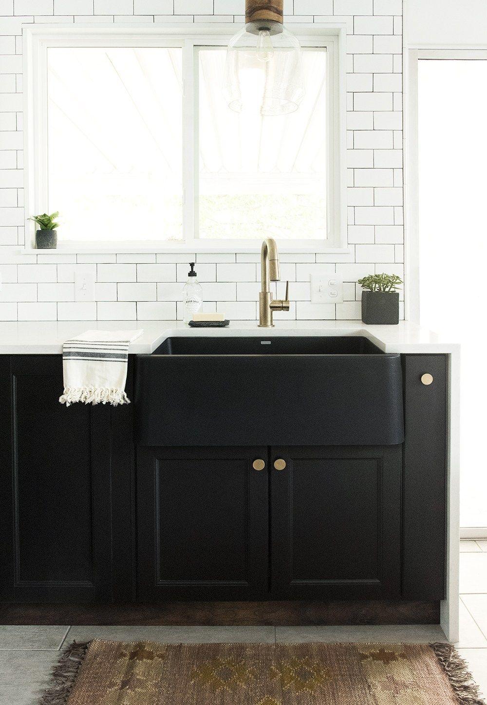 How to Choose a Kitchen Sink Farmhouse sink kitchen