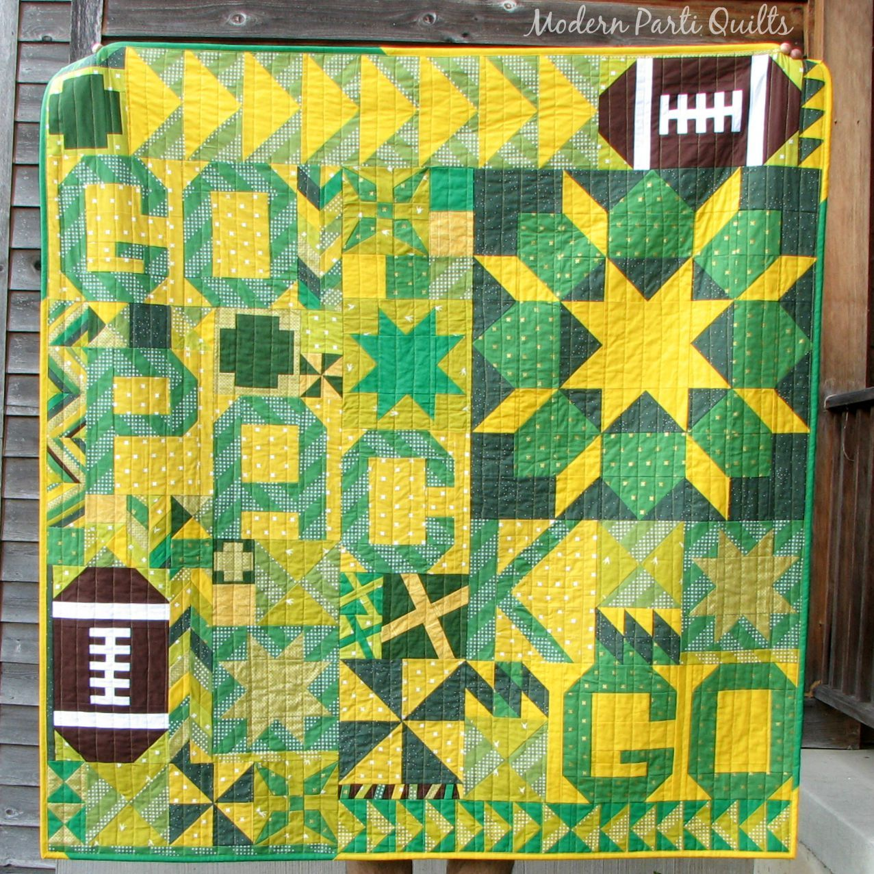 Green Bay Packers Quilt With Images Football Quilt Green Quilt Quilts