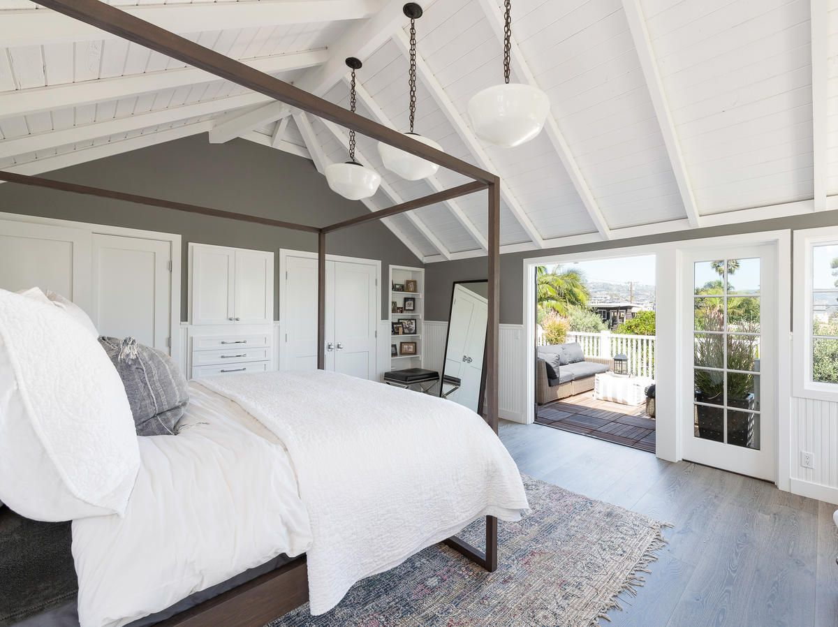 Diane Keaton's Former Laguna Beach Cottage Is a Total Charmer (And It's For Sale) #beachcottageideas