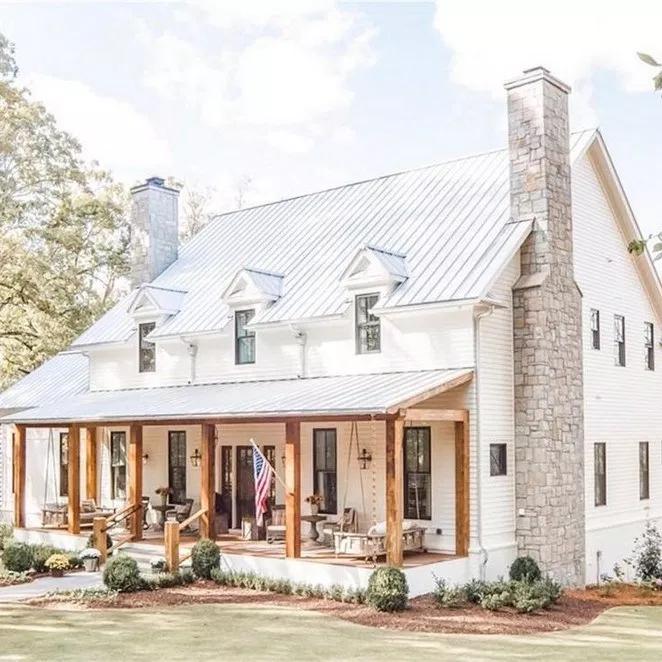33 Inspiring Farmhouse House Design 15 Recipeess Com Modern Farmhouse Exterior White Exterior Houses House Designs Exterior