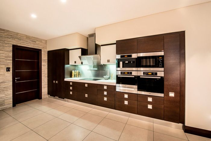 The Interiors Of Aishwarya And Abhishek S Newly Finished Dubai Villa Look Super Swanky Celebrity Kitchens Home Kitchen Interior