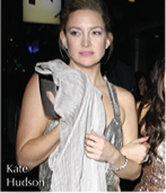 Love Quotes Scarf Enchanting Kate Hudson With Love Quotes Lurex Scarf  Love Quotes Scarves