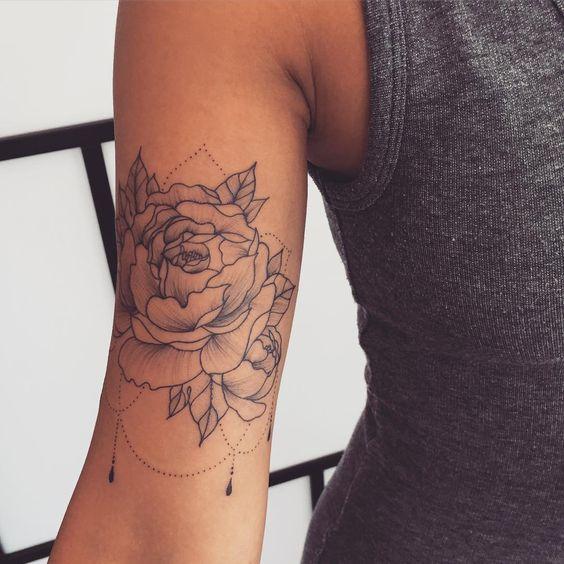 tatouage bras fleur f minin trait fin tatoo pinterest tatouage bras f minin et. Black Bedroom Furniture Sets. Home Design Ideas