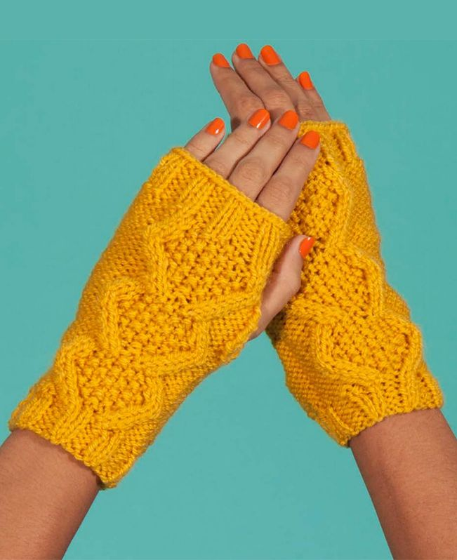 Free Knitting Pattern For Flat Knit Cable Wristwarmers These Easy