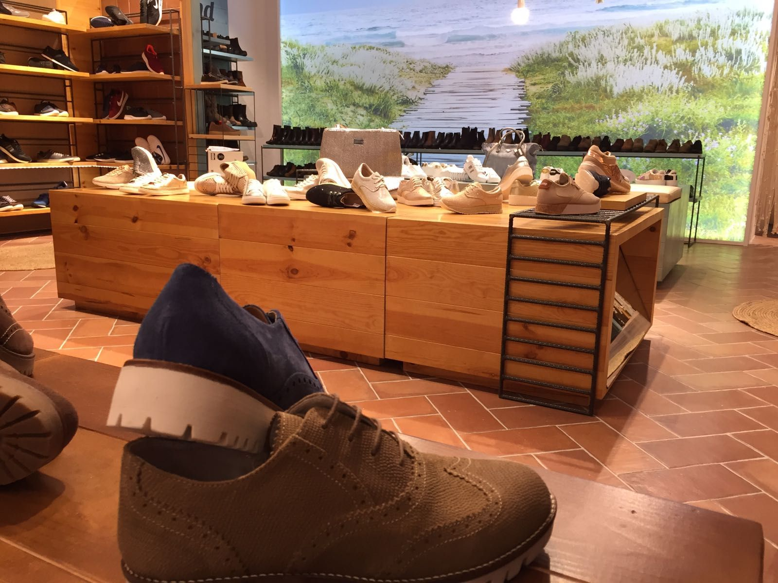 Pin De Vives Shoes En Inauguracion Tienda Vives Shoes Gran Casa