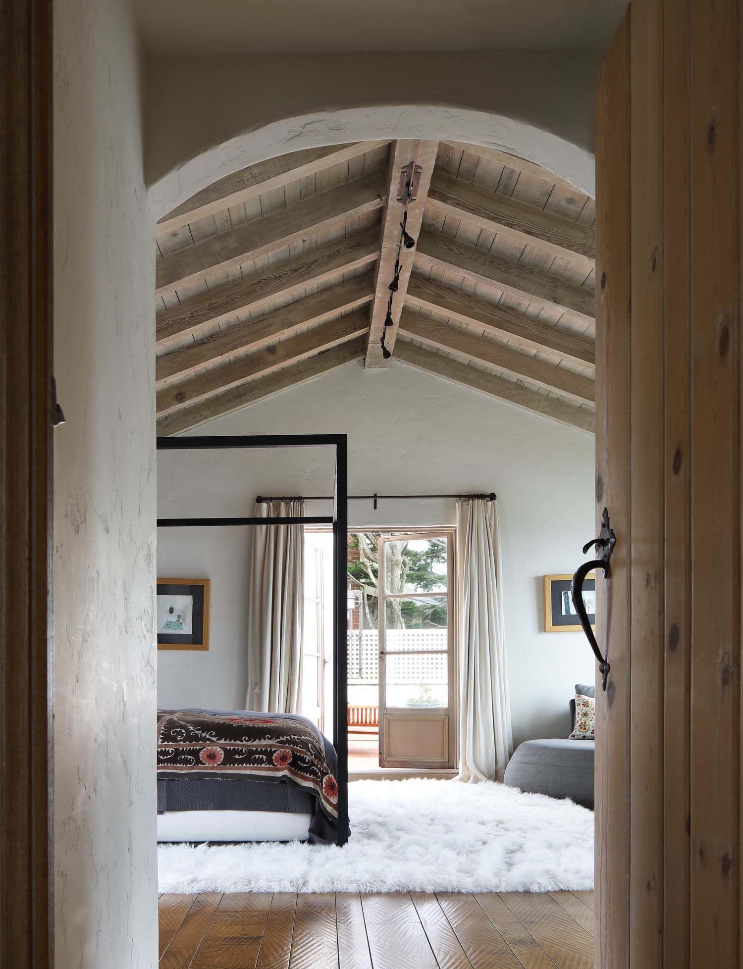 bedroomcolonial bedroom decor. Colonial Bedroom Ideas. Gorgeous Spanish Style Renovation In San Francisco. Décorbedroom Ideas Bedroomcolonial Decor M