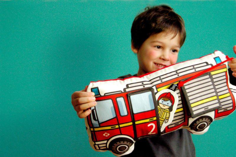 Feuerwehr,+inkl.+Tasche,+Klappe+++Figur,+Kissen...+von+Jungs+&+Söhne+auf+DaWanda.com