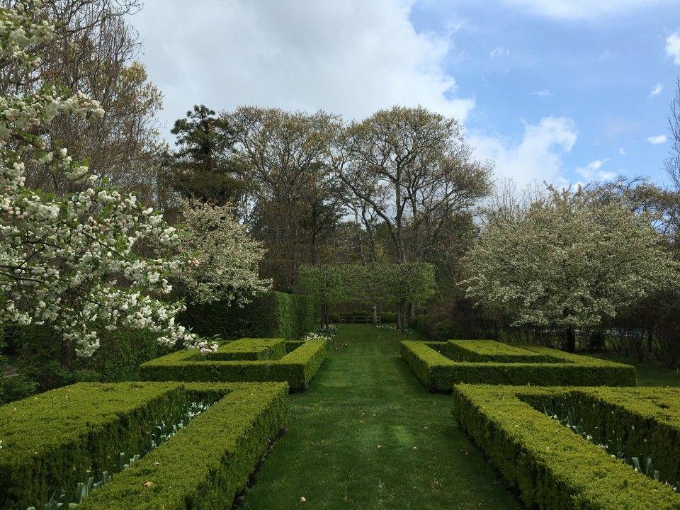Miranda Brooks Landscape Design Anna Wintours garden