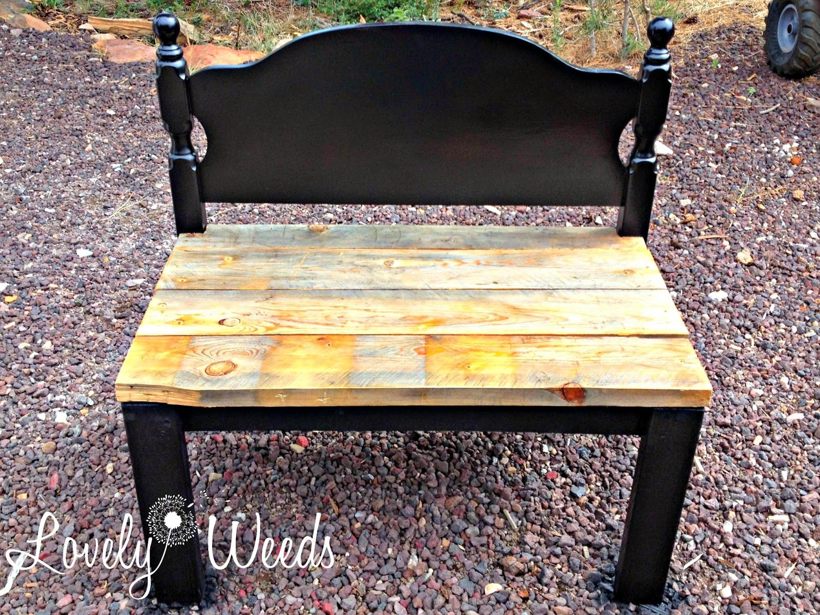 Lovely Weeds: Easy Headboard Bench