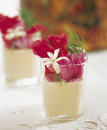 Ajoblanco con flores | Delicooks | Good Food Good Life
