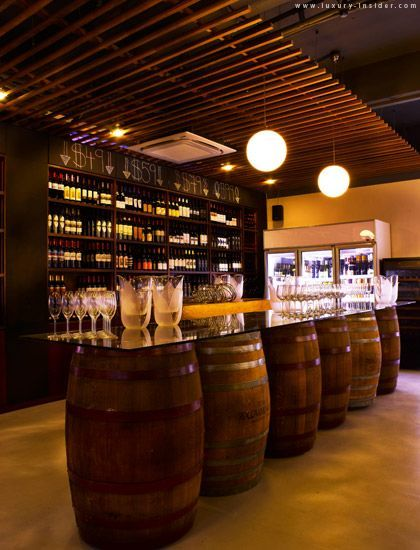 Chill Out At District 10 Bistro Wine Bar Decoration Bistrot