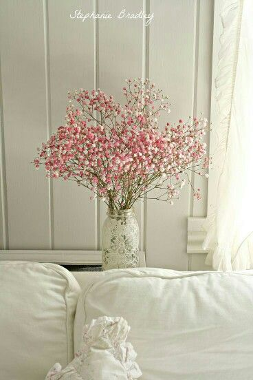 The Spanish Dahlia Shabby Chic Interiors Flower Arrangements Shabby Chic Bedrooms