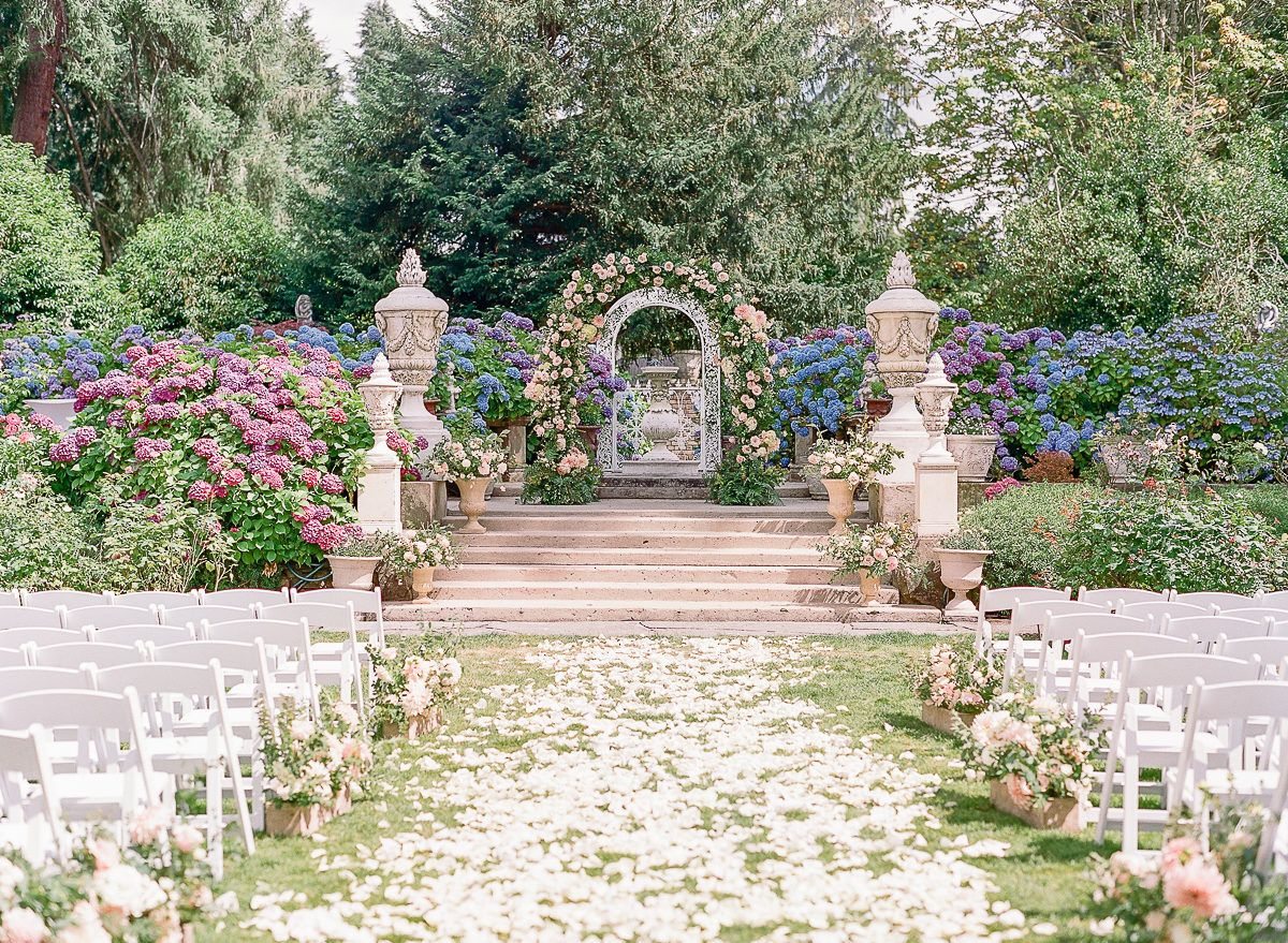 The Floral Adorned Garden Wedding Of Our Dreams Garden Wedding Venue Botanical Gardens Wedding Garden Wedding Decorations