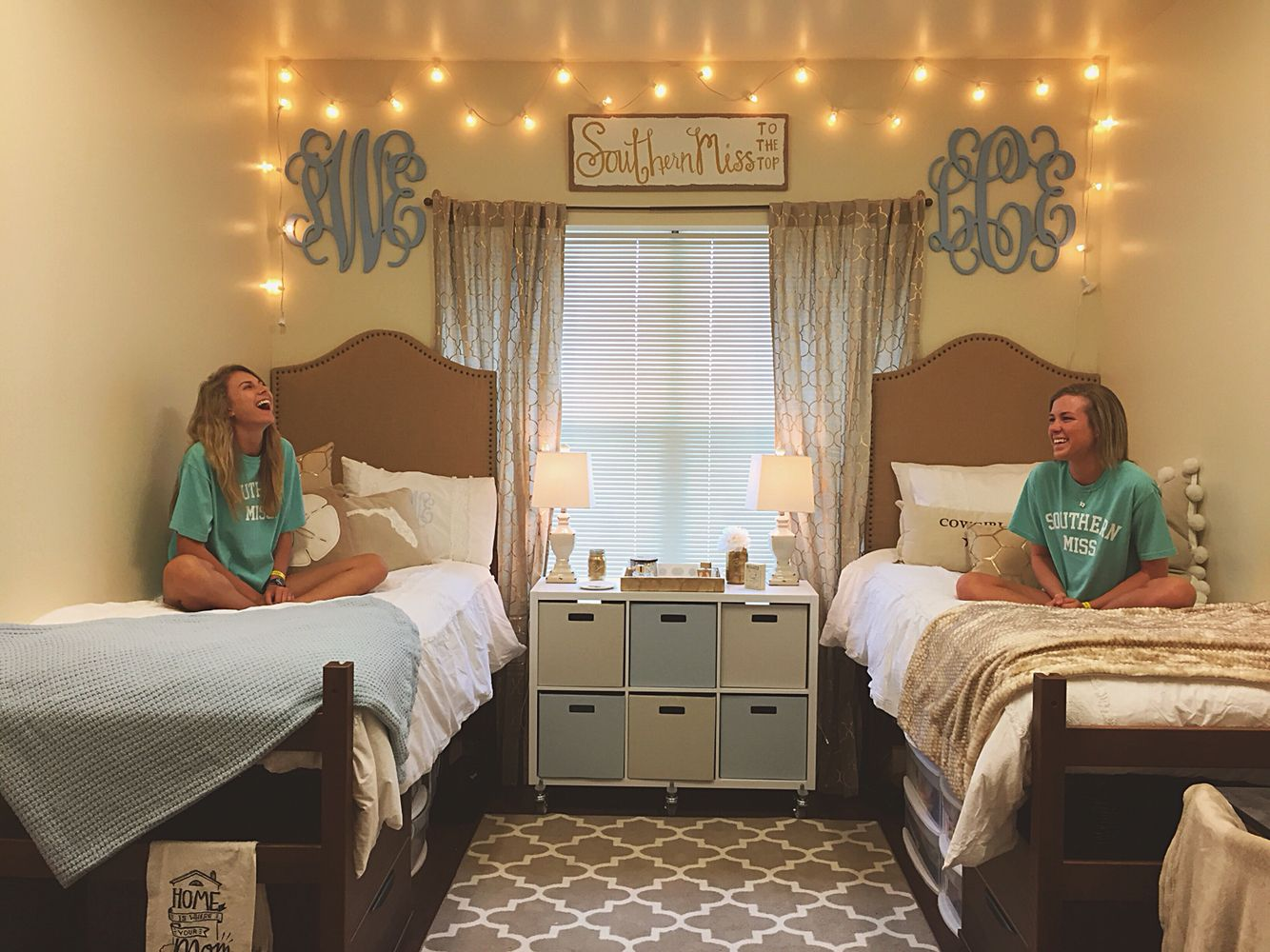 Southern Miss to the Top! #room534 #SMTTT LAUREN CASEY  ~ 063030_Southern Dorm Room Ideas