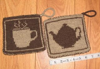 b9b71ecf013b Ravelry  Gravityslave s Coffee and tea double-knit pot holders ...