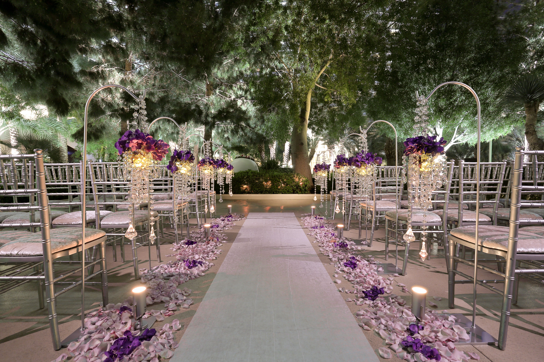 Aria S Poolside Patio Provides Wonderful Options For Those Seeking A Tropical Outdoor Las Las Vegas Wedding Venue Outdoor Las Vegas Wedding Las Vegas Weddings