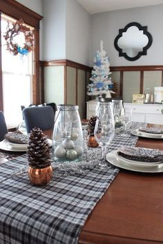 Create a glamorous look for all your holiday events with these ideas for a simple and sparkly holiday table setting at   Create a glamorous look for all your holiday events with these ideas for a simple and sparkly holiday table setting at