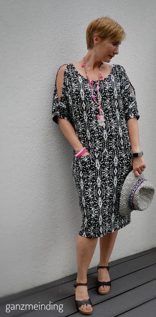 kleid mit offenen Ärmeln | modestil, kleider, anziehsachen