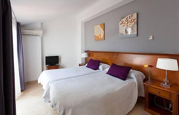 Hostal Abril - Room Reservations - HolidayRentClub.com #costadelsol #nerja