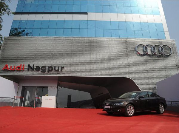 Luxury Car Makers Enjoy High Demand Momentum In India The Luxury