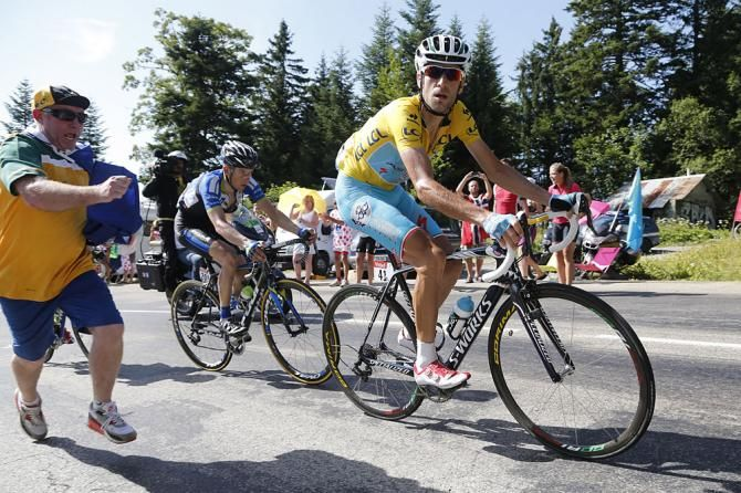 Stage 13: Saint-Étienne - Chamrousse 197.5km -Vincezno Nibali breaking away from the leaders to solo in for a great win!