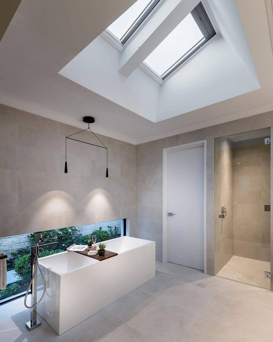 Velux Dachfenster Gerade Im Bad Eine Gute Idee Dachfenster Badezimmer Dachschrage Verdunkelungsrollo