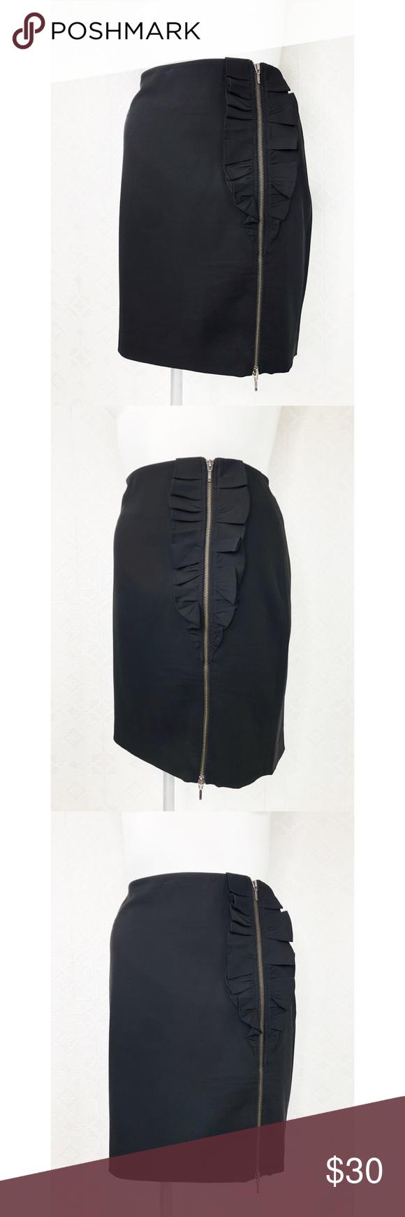 💜Banana Republic Black Ruffle Zipper Skirt Banana Republic  Size 14  Black skirt  Ruffle front with full zipper  Excellent pre loved condition  W5 #0383 Banana Republic Skirts