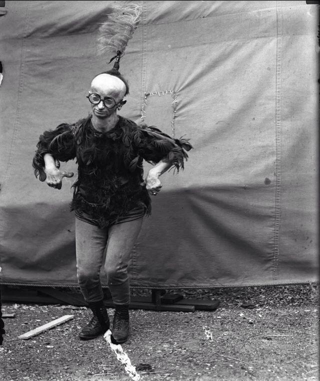 Minnie Woolsey AKA Koo Koo the bird girl photographed by ...