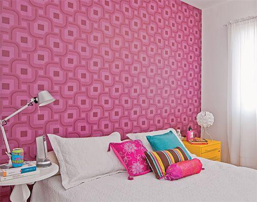 Papel de paredes no quarto