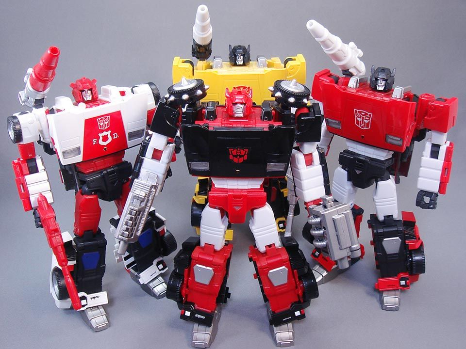 Transformers Masterpiece MP-12G Lambor (Sideswipe) (G-2 Ver.) with MP-14 Alert (Red Alert), MP-12T Tigertrack and MP-12 Lambor (Sideswipe)