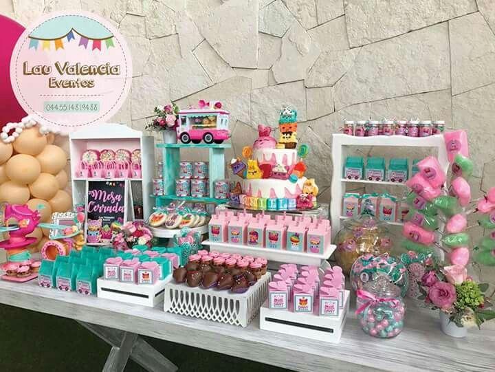 Pin en fiesta infantil for Mesas de dulces infantiles