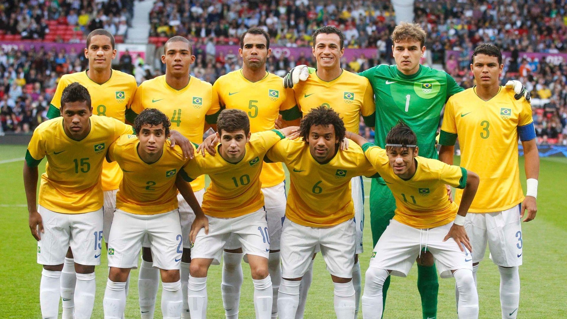Medalha De Prata Conquistada Pela Seleção Brasileira De Futebol Masculi Futebol Masculino Seleção Brasileira De Futebol Seleção Brasileira De Futebol Masculino