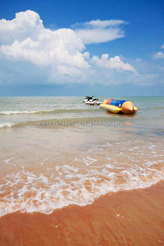 Tropical beach - Photographer : Aku Madie