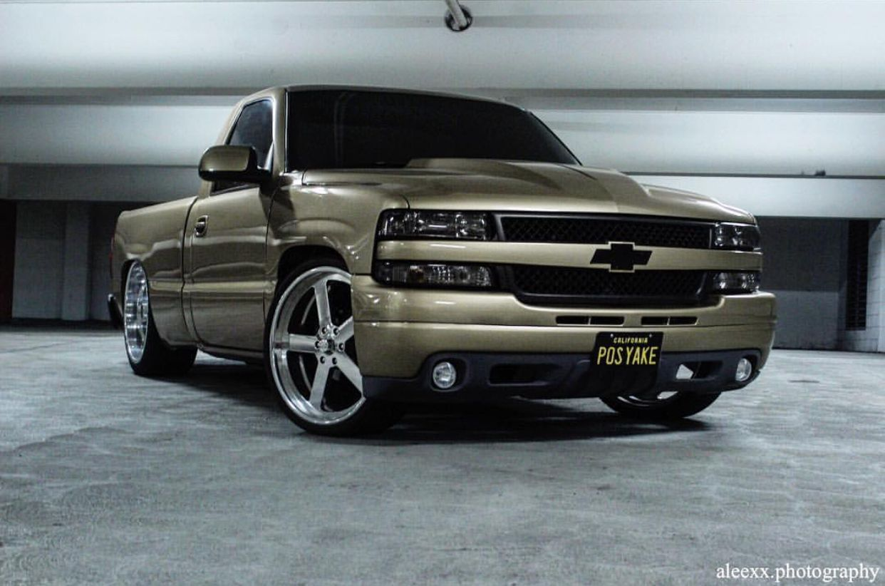 Pin By Junior On Dropped Silverado S Chevy Trucks Lowered Custom Chevy Trucks Chevy Trucks Silverado