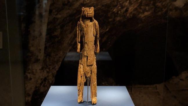 """Der """"Löwenmensch"""" - Quelle der Kunst. Die Mensch-Tier-Plastik ist aus Mammutelfenbein und über 35.000 Jahre alt."""