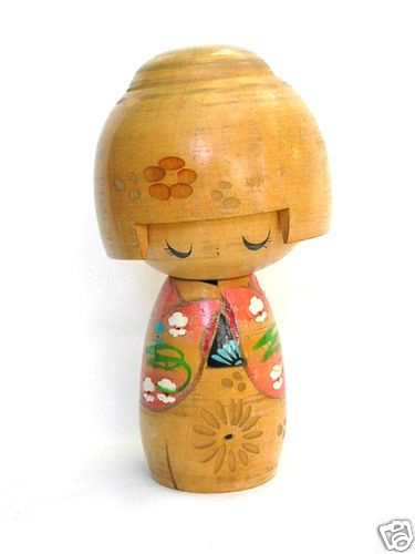 VINTAGE WOOD JAPANESE KOKESHI DOLL CUTE SHY GIRL